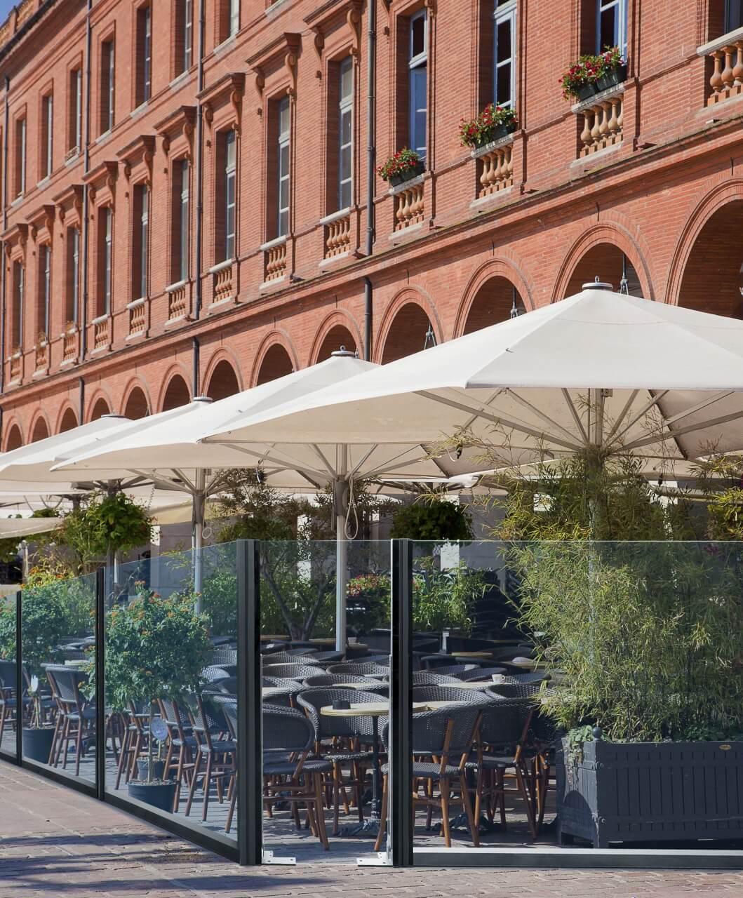 Paravent e-terrasses transparent verre pour restaurant, bars, hôtels