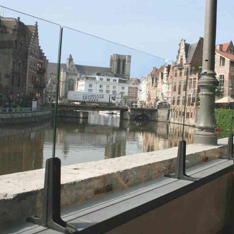Paravent total verre Transparanto pour bar, restaurant hôtel